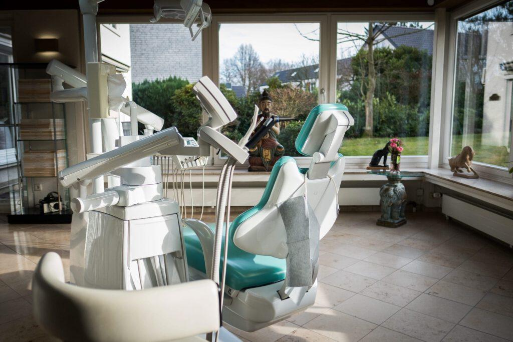 Zahnarztpraxis Bielefeld - Behandlungszimmer